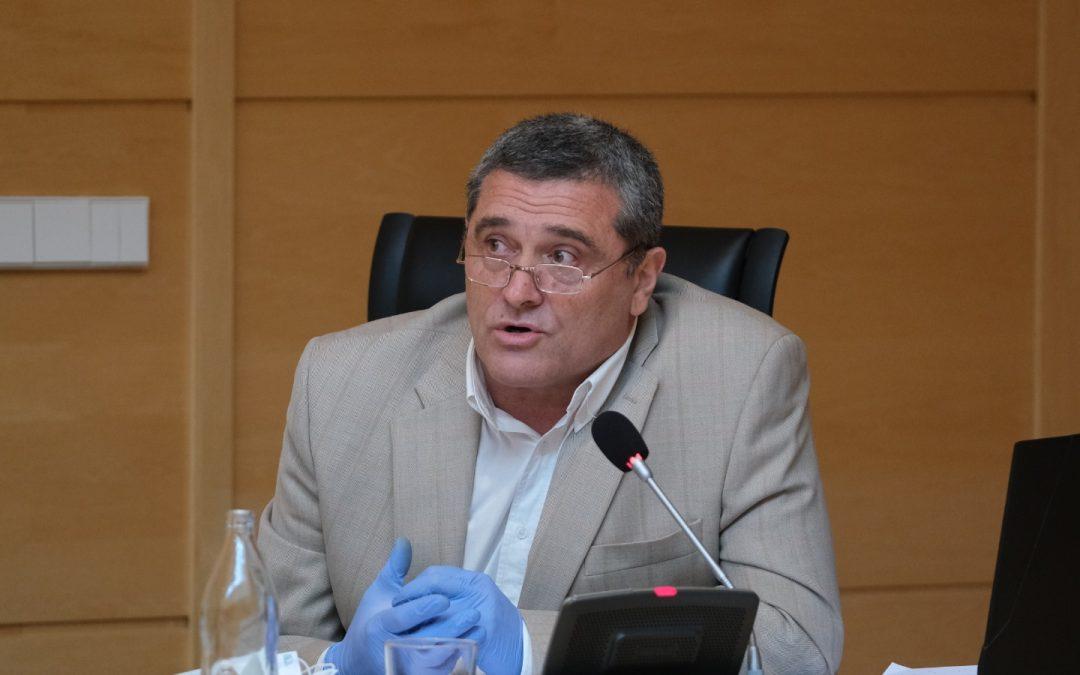 """Por Ávila pone en valor el """"esfuerzo y la actitud"""" de los profesionales sanitarios durante la COVID-19"""