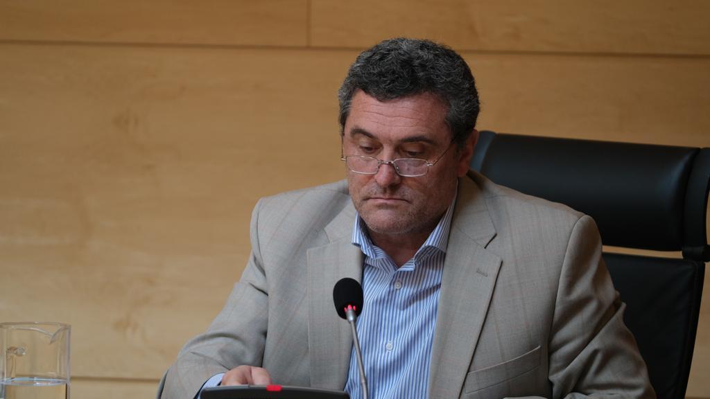 Por Ávila reivindica en las Cortes mejoras laborales para los sanitarios y demanda un refuerzo de las plantillas de cara al verano